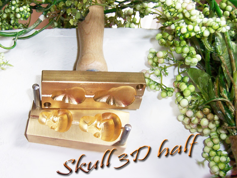 "bead press ""Bavarian 3D SKULL half"""