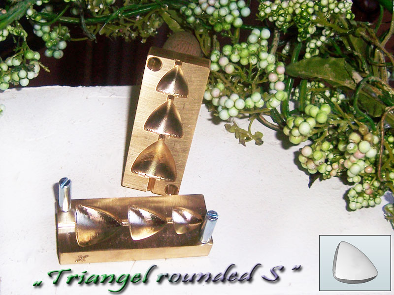 "bead press ""Bavarian 3D triangle rounded S"""