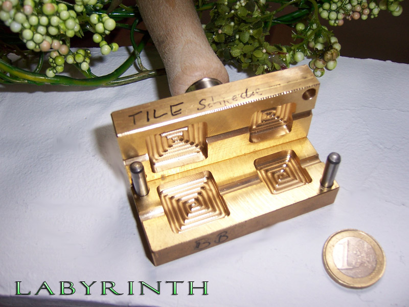 "bead press ""Bavarian Labyrinth"""