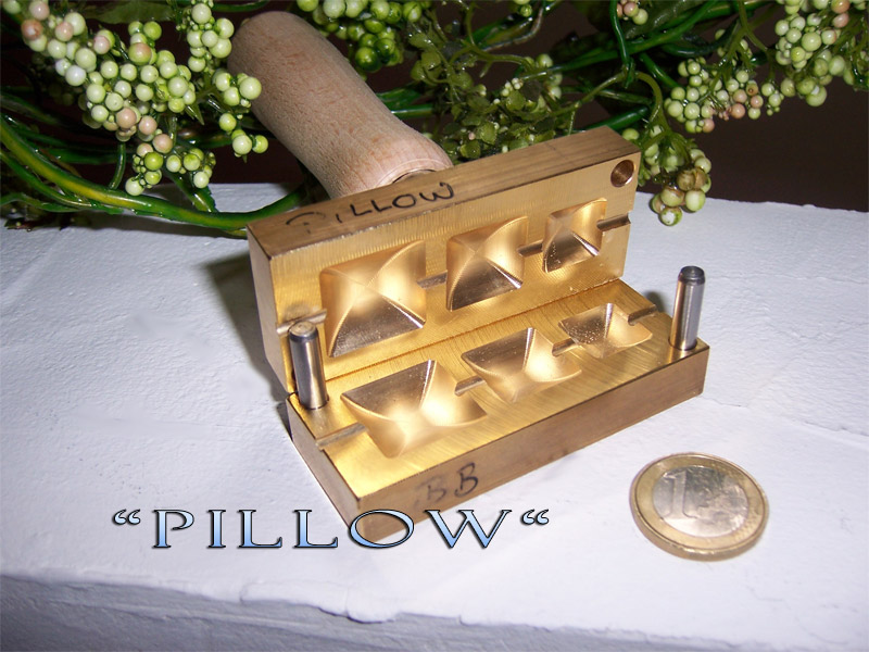 "bead press ""Bavarian Pillow"""